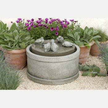 Kinsey Garden Decor Passaros Water Fountain