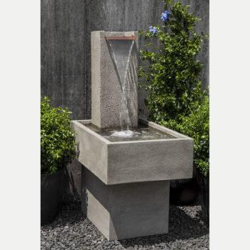 Kinsey Garden Decor Falling Water III Wall Fountain