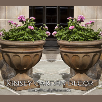 Kinsey Garden Decor Augusta-urn planter set