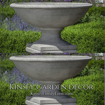 Kinsey Garden Decor Beauport Urn Planter set