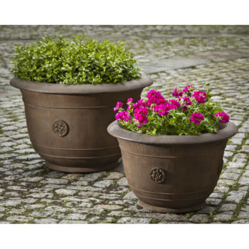 Kinsey Garden Decor Planter Brenta