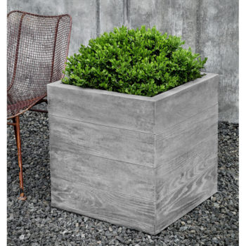 Kinsey Garden Decor Chenes Brut Box Planter