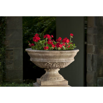 Kinsey Garden Decor Coach House Urn