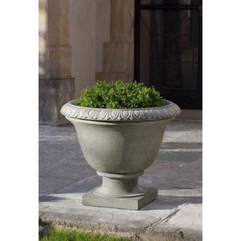 Kinsey Garden Decor Easton Urn